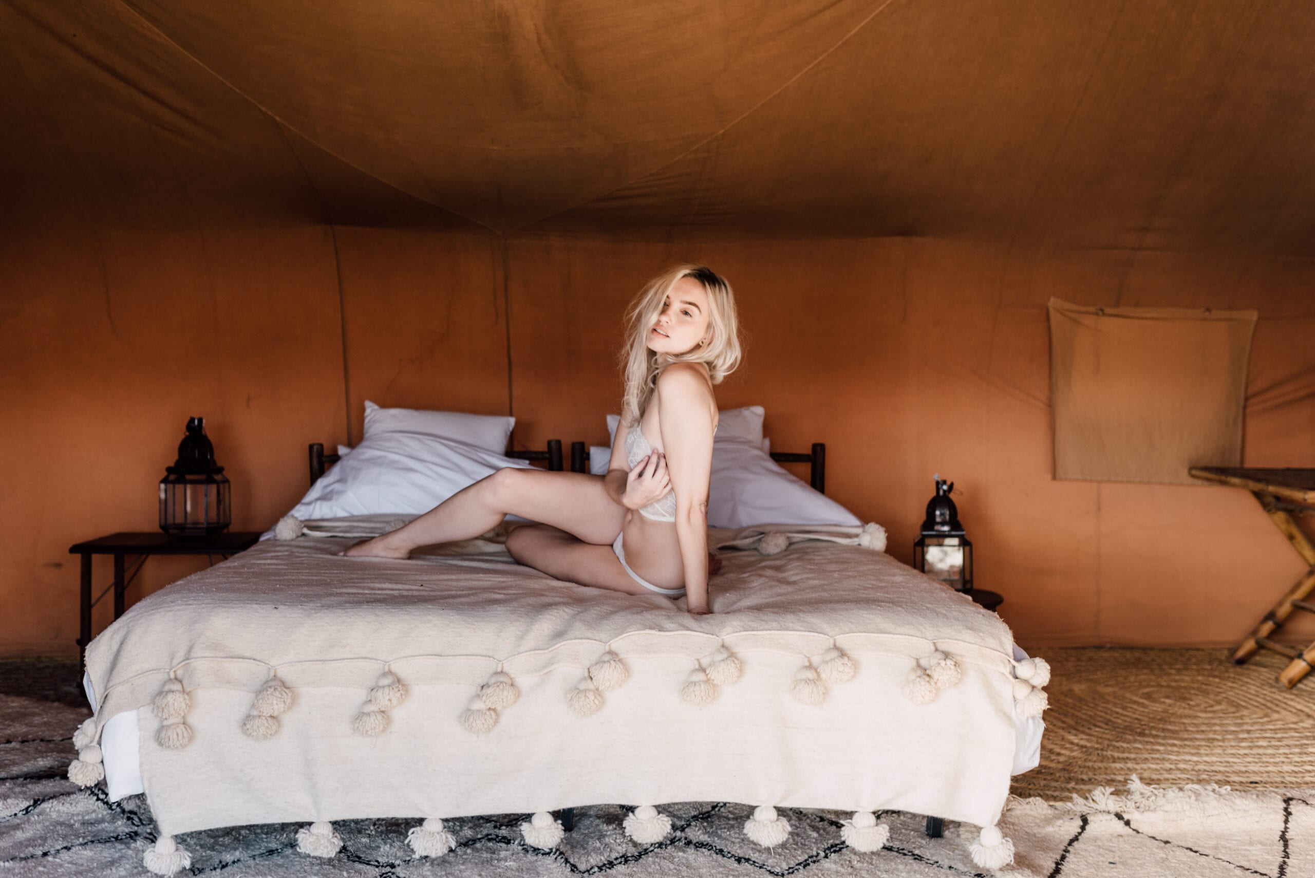 editorial campaign shoot marrakech fashion bridal fotoshoot lingerie desert agafay morocco